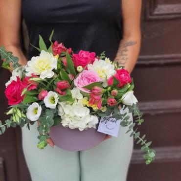 Aranjament cu trandafiri roz