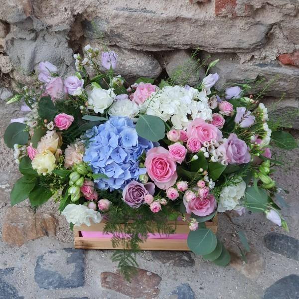 Aranjament floral pastelat