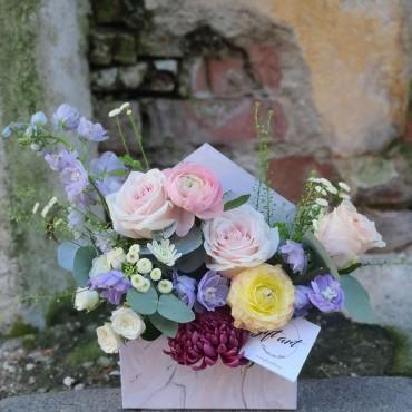 Aranjament floral în plic