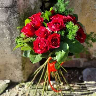 Buchet cu 10 trandafiri rosii