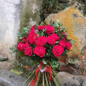 Buchet cu 21 trandafiri