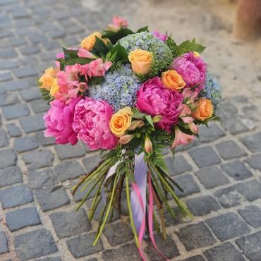 Buchet cu flori colorate