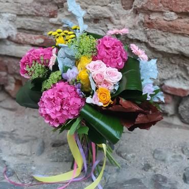 Buche cu hortensia roz