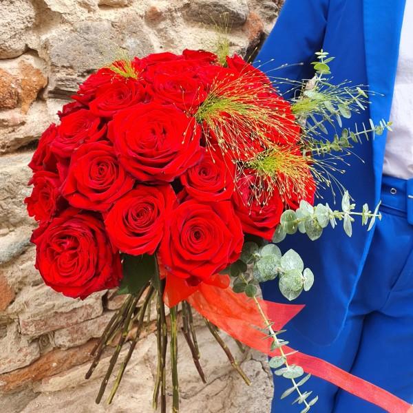 Buchet cu 35 trandafiri rosii