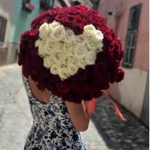 Buchet cu 101 trandafiri